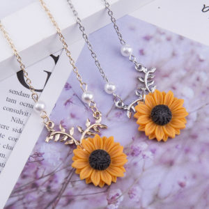Delicate Sunflower Pendant Necklace For Women Creative Imitation Pearls Jewelry Necklace Clothes Accessories 1