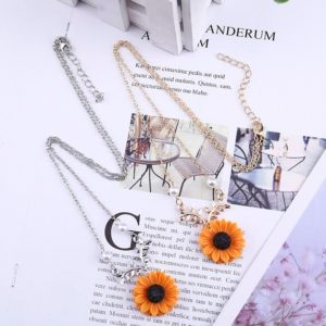 Delicate Sunflower Pendant Necklace For Women Creative Imitation Pearls Jewelry Necklace Clothes Accessories 3